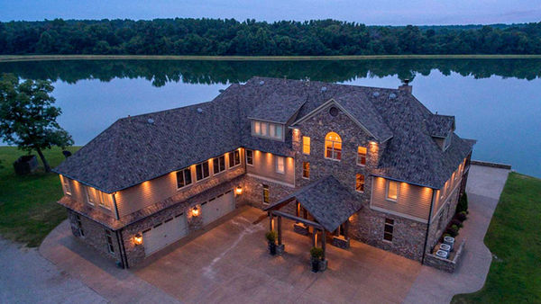 Famous John and Lisa Robinson scooped $ 528.8 million and bought a new house (see the pictures!)